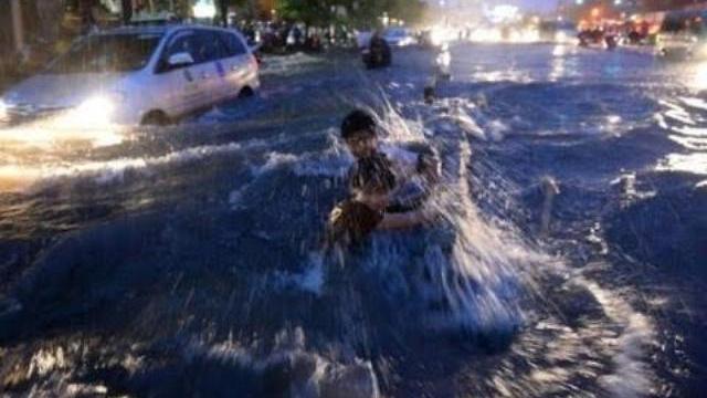 TP.HCM thử nghiệm gắn chip cảnh báo chống lụt