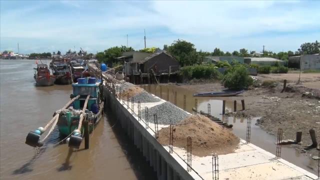 Tin Tức 24h Mới Nhất: Hiệu quả từ mô hình kè ly tâm ở Cà Mau