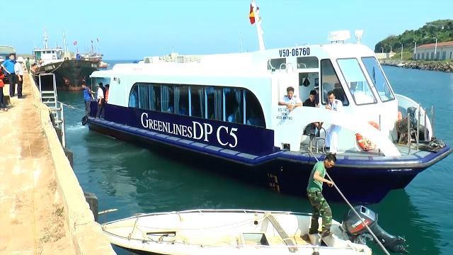 Tin Tức 24h Mới Nhất: Đảo Cồn Cỏ đón đoàn khách du lịch đầu tiên