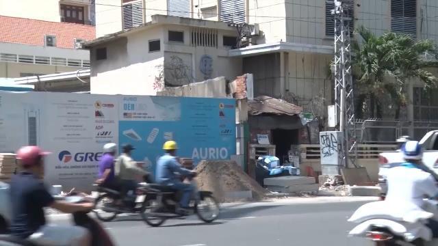 Các công trình xây dựng lấn chiếm vỉa hè ở TP. Hồ Chí Minh