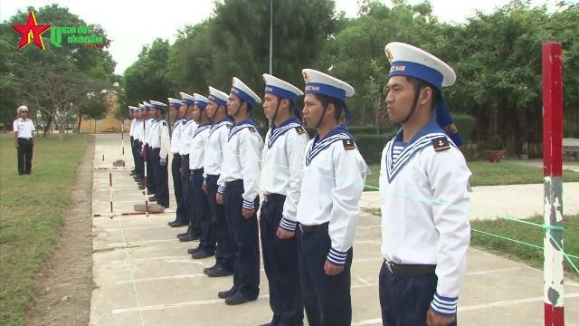 Huấn luyện chiến sĩ mới ở Lữ đoàn Hải quân đánh bộ 101