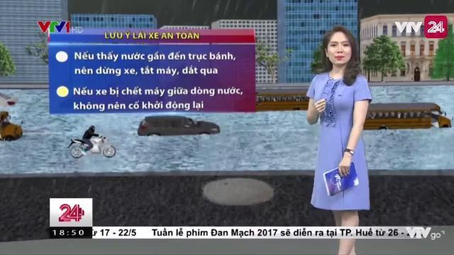 Mẹo nhỏ giúp xe không bị chết máy khi đi qua những chỗ nước ngập | VTV24