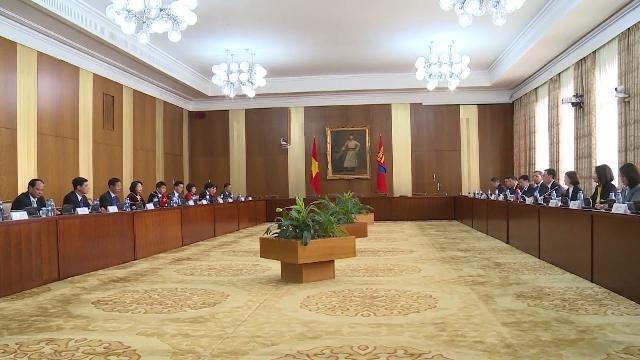 Phó Chủ tịch nước Đặng Thị Ngọc Thịnh hội đàm với Thủ tướng Mông Cổ
