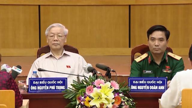 Tổng Bí thư Nguyễn Phú Trọng tiếp xúc cử tri quận Ba Đình và quận Tây Hồ