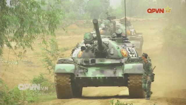 Thời sự Quốc phòng Việt Nam ngày 15/4/2017:Lính Tăng thiết giáp làm chủ máy vô tuyến hiện đại