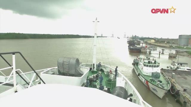 Tàu Cảnh sát biển Việt Nam thăm Trung quốc