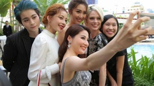 Chi Pu, Diễm My 9X diện kiến siêu mẫu Coco Rocha