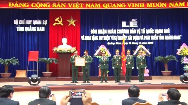 Trao Huân chương Bảo vệ Tổ quốc hạng nhì cho lực lượng vũ trang tỉnh Quảng Nam