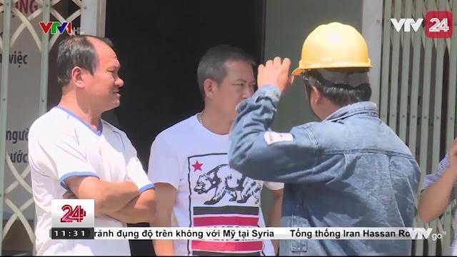 Tháo chạy khi hai căn nhà nứt toác, sụt lún | VTV24