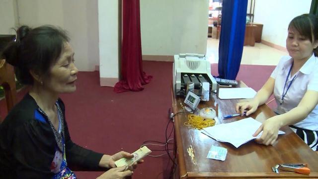 Diêm dân Hà Tĩnh phấn khởi sau khi nhận được tiền đền bù