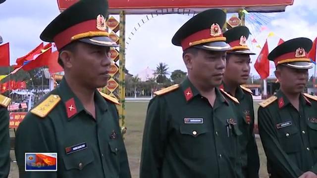 Chỉ huy Quân khu 5 kiểm tra huấn luyện chiến sĩ mới