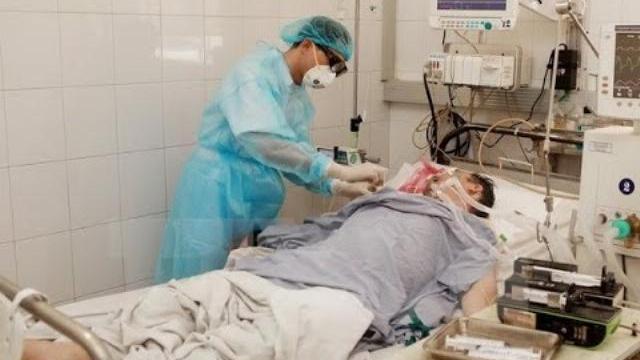 Nạn nhân thứ 3 ở Hà Nội chết vì rượu methanol