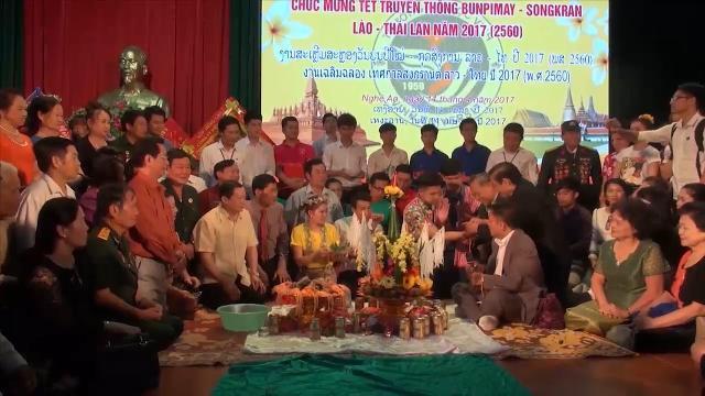 Sinh viên Lào, Thái Lan tưng bừng đón Tết cổ truyền ở Nghệ An