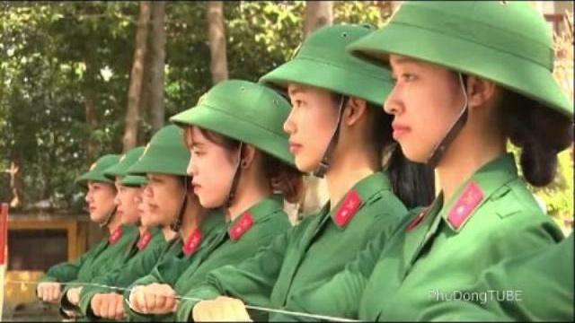 Huấn luyện chiến sĩ nữ tại Trường quân sự Quân khu 7