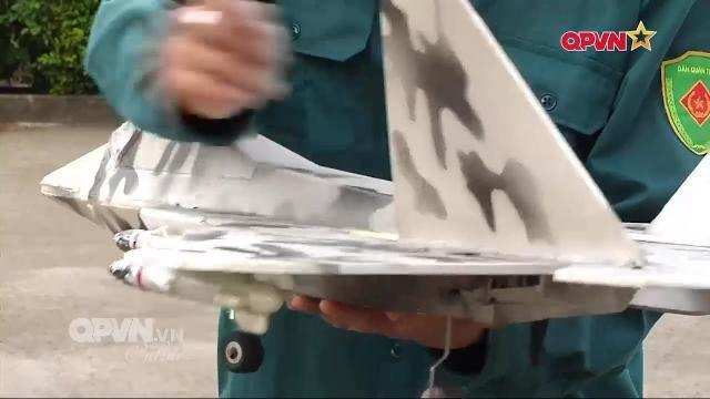 Máy bay mô hình F22 luyện bắn cho Lực lượng Phòng không Đồng Tháp