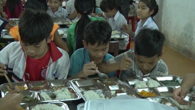 Quảng Ngãi hỗ trợ gạo cho học sinh vùng đặc biệt khó khăn