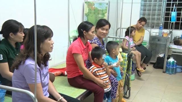 32 trẻ em nhập viện nghi do ngộ độc thực phẩm ở Kon Tum