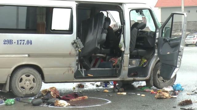 Hà Nam: Tai nạn đặc biệt nghiêm trọng giữa xe tải và xe khách làm 3 người chết, 14 người bị thương