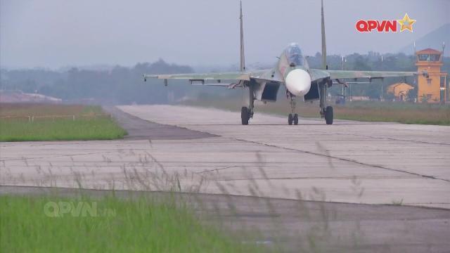 SU-30MK2 Trung đoàn Không quân 927 bảo vệ vùng trời Đông bắc Tổ quốc