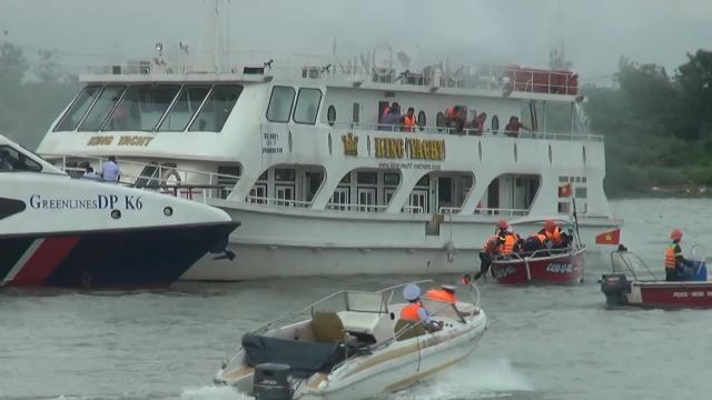 TP. Hồ Chí Minh diễn tập ứng phó sự cố cháy nổ tàu chở khách trên sông Sài Gòn