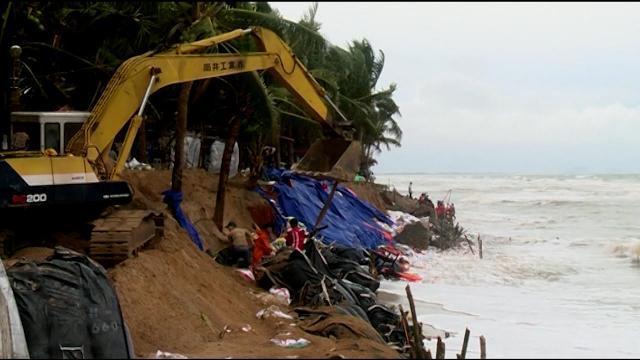 Tin Tức 24h Mới Nhất: Biển xâm thực đe dọa bãi biển miền Trung
