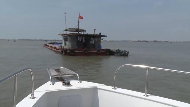 Bộ Tư lệnh Cảnh sát biển 1 liên tiếp bắt giữ tàu chở than và tàu chở dầu vi phạm