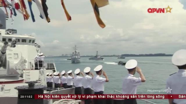 Video Tàu chiến Hải quân Việt Nam duyệt binh tại Singapore