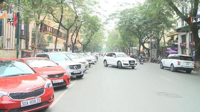 Tin Tức 24h: Hà Nội sẽ cấp phép thêm 300 điểm đỗ xe dưới lòng đường
