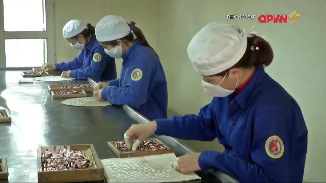 Phụ nữ nhà máy Z121 thầm lặng đóng góp cho nền Công nghiệp Quốc phòng