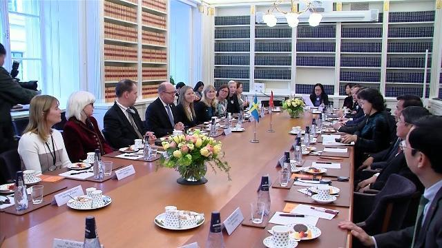 Chủ tịch Quốc hội Nguyễn Thị Kim Ngân hội đàm với Chủ tịch Quốc hội Vương quốc Thụy Điển