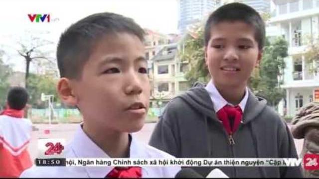 Hình thức tuyên truyền dạy học mới của thầy giáo tiểu học | VTV24