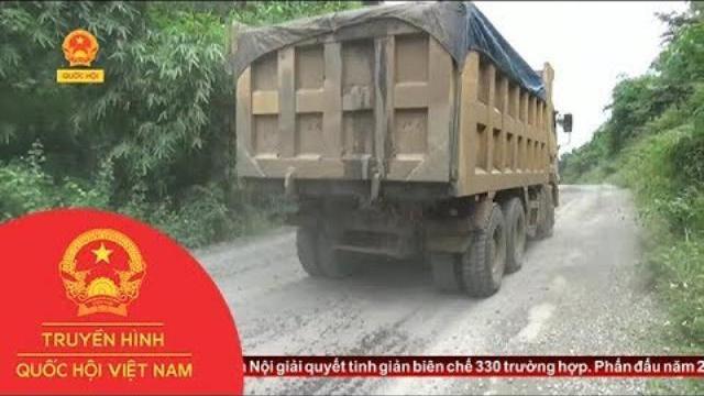 Đắk Lắk: Xe quá tải trốn trạm kiểm soát băm nát đường dân sinh | Thời Sự | THQHVN