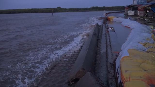 Tin Tức 24h: Bạc Liêu cần 340 tỷ đồng để khắc phục sạt lở đê biển