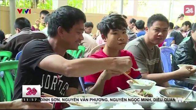 Việc tử tế: LỚP HỌC ĐẶC BIỆT Ở HUẾ | VTV24