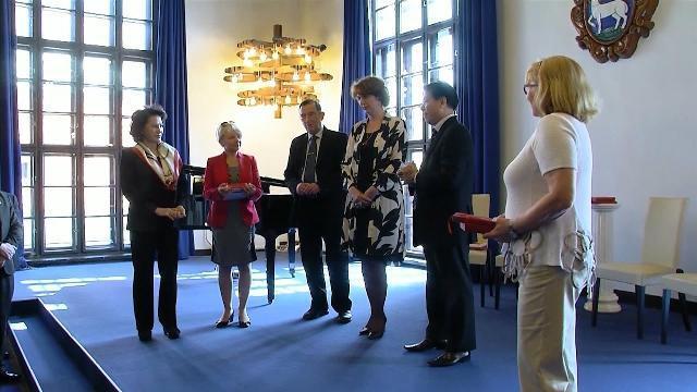 Chủ tịch Quốc hội Nguyễn Thị Kim Ngân thăm và làm việc tại TP. Szentendre, Hungary