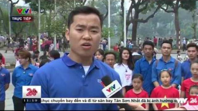 Câu Lạc Bộ Tình Nguyện Liên Kết Trẻ Dọn Rác Phố Đi Bộ - Tin Tức VTV24