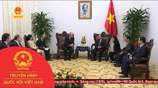 Thủ tướng Nguyễn Xuân Phúc tiếp cựu Thủ tướng Canada | Thời Sự