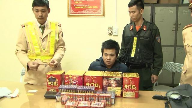 Lào Cai bắt giữ đối tượng vận chuyển 12 kg pháo nổ trái phép