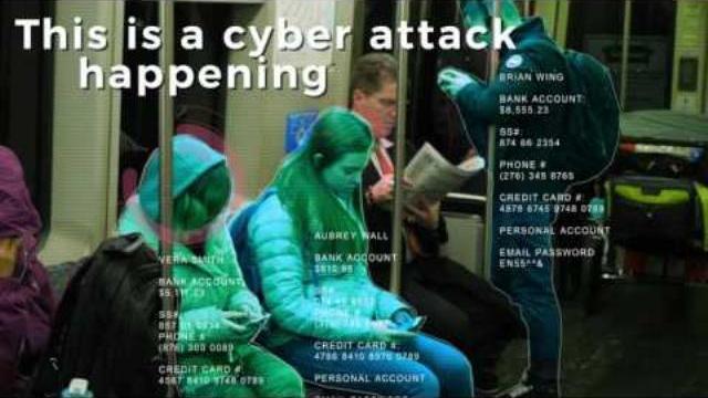 Xem hacker nổi tiếng biểu diễn hack bất kì ai trên phố, ai đi ngang qua là bị hack