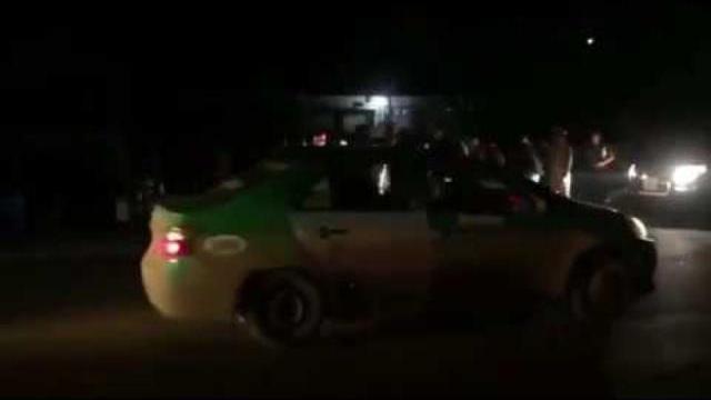Cảnh sát nổ súng bắt 400 bánh heroin đuổi từ trạm thu phí Lương Sơn đến bê tông Xuân Mai