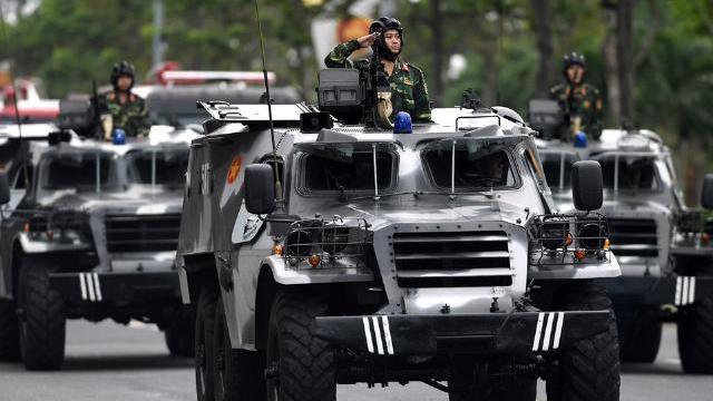 Dàn xe đặc chủng diễu hành sẵn sàng làm nhiệm vụ bảo vệ APEC