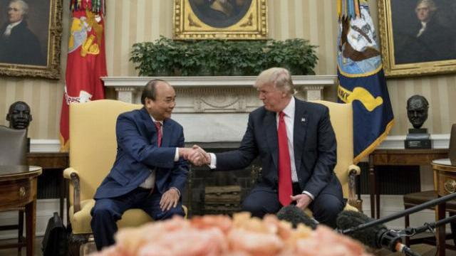 Tổng thống Mỹ lên sóng Facebook cuộc gặp với Thủ tướng