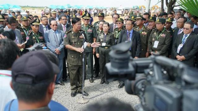 Thủ tướng Hun Sen tại biên giới Việt Nam - Campuchia