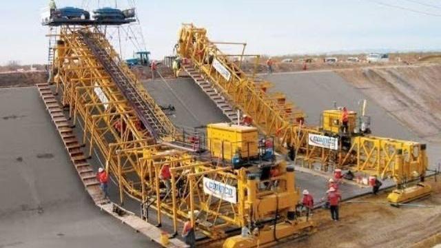 Cỗ máy làm đường hiện đại nhất thế giới