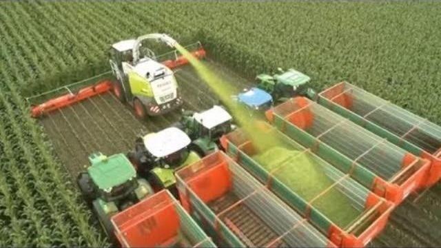 Những cỗ máy hiện đại trong ngành nông nghiệp trên thế giới