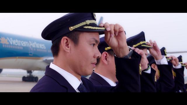 """Clip nhảy """"Bay lên Việt Nam"""" trên nền nhạc """"Bống bống bang bang"""" của Vietnam Airlines gây sốt"""