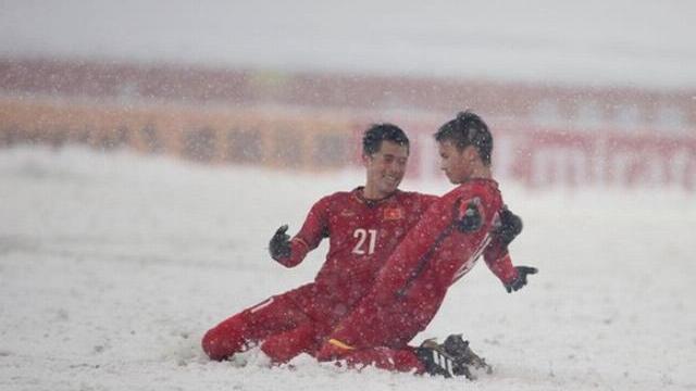 U23 VN vs Uzbekistan: Quang Hải lập siêu phẩm