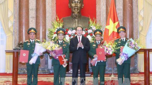 Chủ tịch nước Trần Đại Quang thăng quân hàm cấp thượng tướng cho 4 sỹ quan quân đội