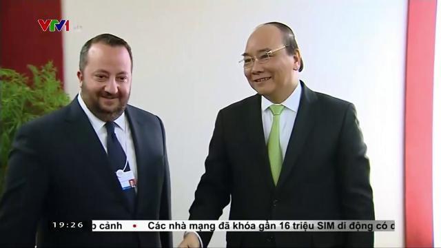 Thủ tướng Nguyễn Xuân Phúc tiếp lãnh đạo CNN