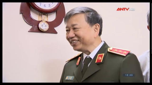 Bộ trưởng Bộ Công an Tô Lâm chúc thọ nguyên Tổng Bí thư Đỗ Mười